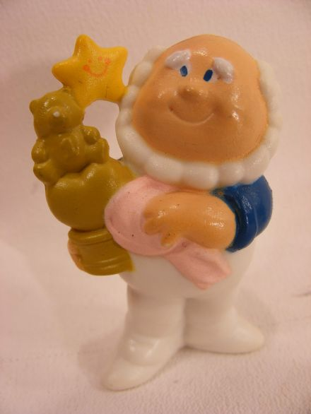 VINTAGE CLOUD SWEEPER CARE BEARS MINIATURE